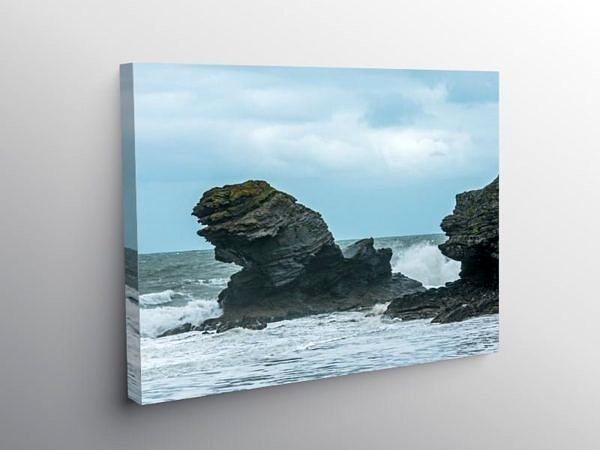 Carreg Bica Rock Llangrannog Ceredigion, Canvas Print