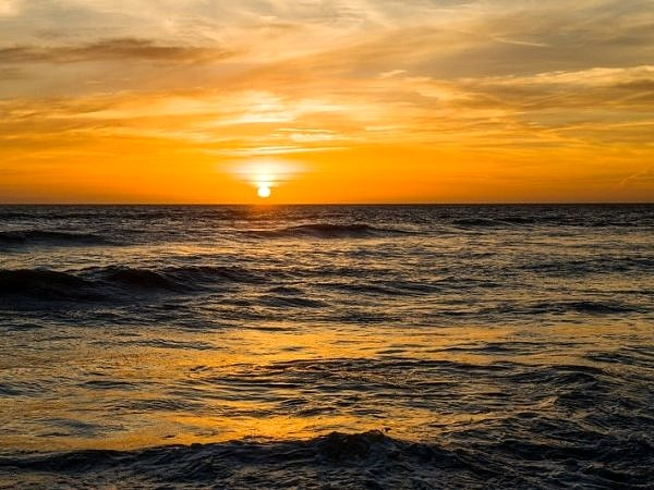 Sunset over Llantwit Major Beach web DSC_3708