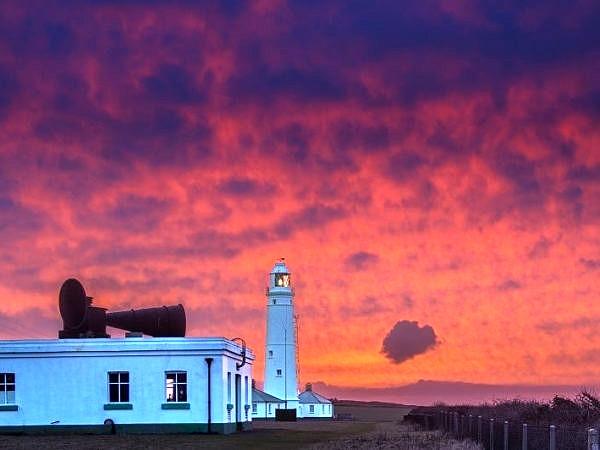 Nash Point Lighthouse Sunrise CoW_DSC1614