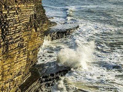 Waves at Nash Point