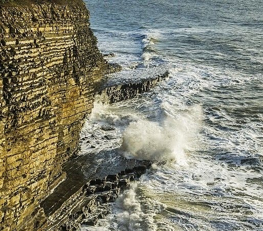 Waves at Nash Point