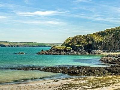 Cwm yr Eglwys Beach North Pembrokeshire