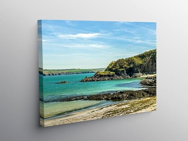 Cwm yr Eglwys Beach North Pembrokeshire, Canvas Print