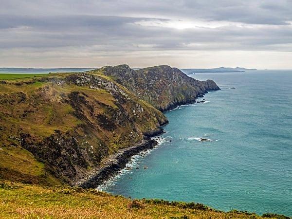 Pwll Deri and Cliffs North Pembrokeshire