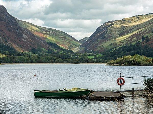 Tal y Llyn Lake beneath Cadair Idris Gwynedd