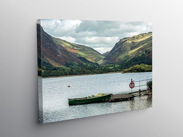 Tal y Llyn Lake beneath Cadair Idris Gwynedd, Canvas Print