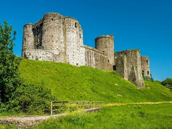 Kidwelly Castle Carmarthenshire