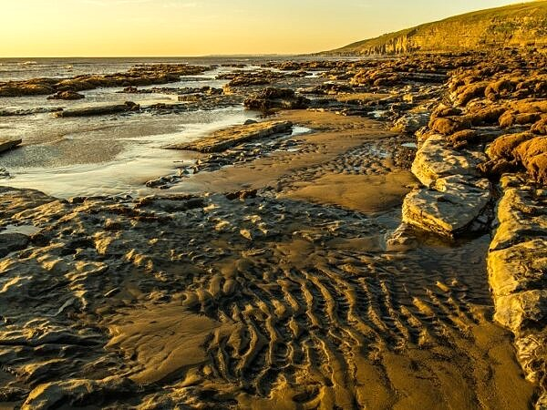 Dunraven Bay on a cold sunny November Evening